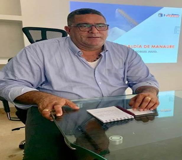 Una medida cautelar, emitida por un juez de San Juan del Cesar, le permitiría regresar hoy mismo, a su cargo, al alcalde electo de Manaure, Juan José Robles Julio.