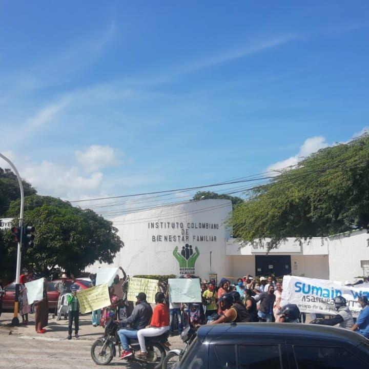 Continuaron las protesta de indígenas wayuu ante el Bienestar Familiar en Riohacha