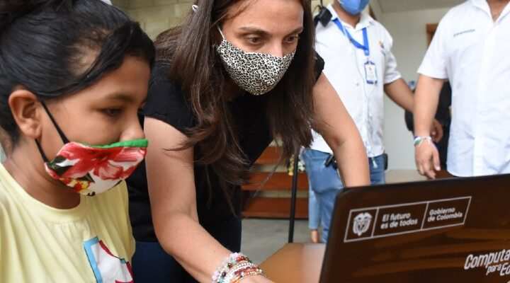 Parque lineal más grande de Latinoamérica ya tiene internet gratuito con activación de zona digital por parte de la ministra TIC, Karen Abudinen