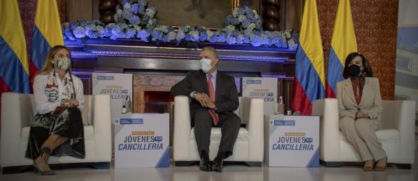 """XV jornada de """"Jóvenes a la Cancillería"""" contó con la participación del Presidente Iván Duque y de la Canciller Claudia Blum"""