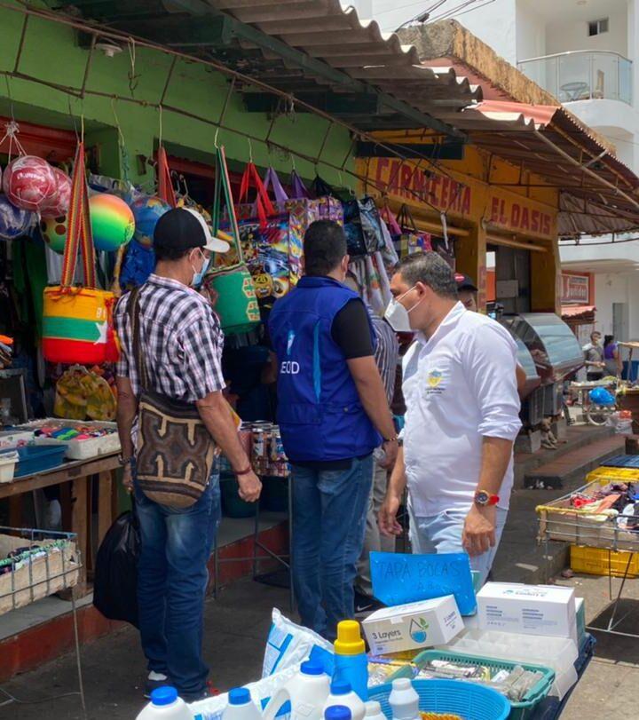 Comerciantes de Riohacha inconformes con el cierre de mercados