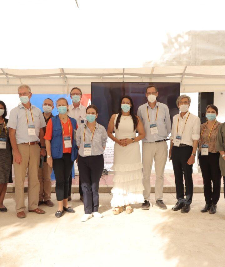 Visita diplomática a Centro de Salud en Riohacha