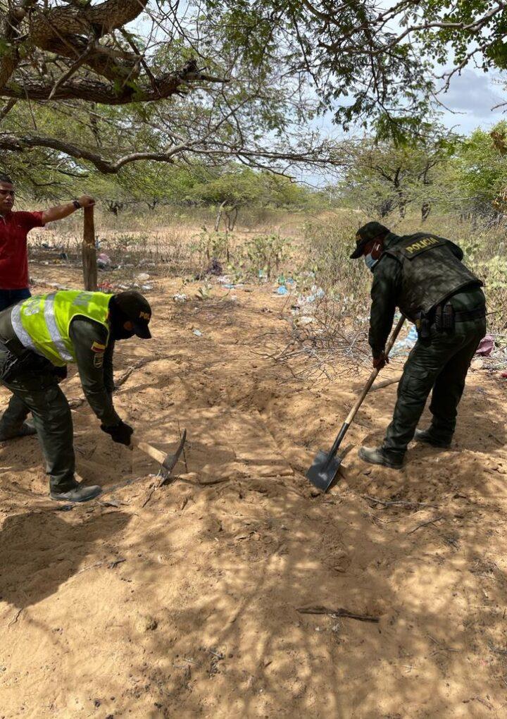 Hallan caleta con drogas y armas en zona rural de Uribia