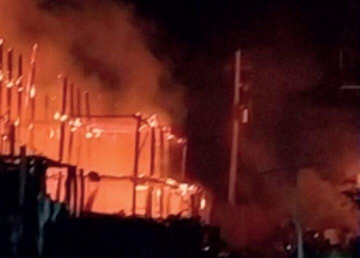 Voraz incendio en Dibulla arrasó su zona turística