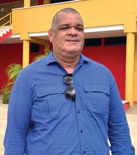 Carlos Robles: en busca de la excelencia académica
